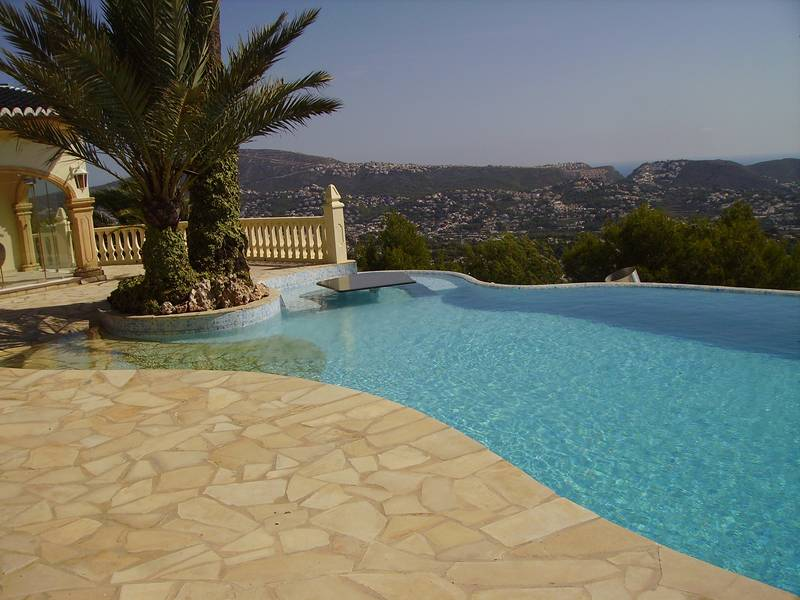 Swimming Pool maintenance in Moraira